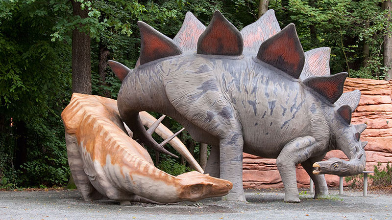 Allosaurus i Stegosaurus