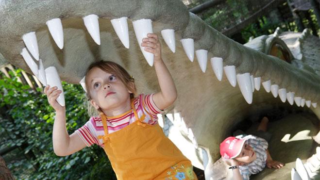 Über 200 lebensgroße Dinosaurier